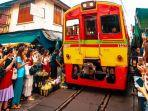 maeklong-railway-market.jpg
