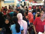 matahari-department-store-mega-mall-kembali-menggelar-morning-sale_20160212_190716.jpg