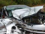 mobil-kecelakaan_20180111_183701.jpg