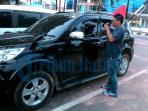 mobil-korban-pencurian-pecah-kaca_20160524_223629.jpg