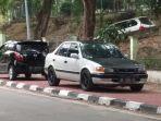 mobil-parkir-di-trotoar-dekat-rsbp-batam_20180325_191912.jpg