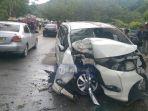 mobil-toyota-avanza-kecelakaan_20171229_142415.jpg