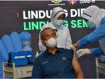 muhyiddin-yassin-menerima-dosis-pertama-vaksin-covid-19.jpg