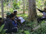 muslahuddin-daud-sedang-menjelaskan-teknik-perawatan-tanaman_20180403_174100.jpg