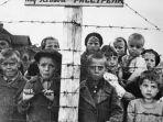 para-korban-holocaust-yahudi_20180126_164439.jpg