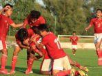 para-pemain-timnas-indonesia-u-19-merayakan-gol-ketiga-mereka-ke-gawang-arab-saudi.jpg