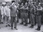 pasukan-cakrabirawa-pengawal-presiden-soekarno_20170930_114843.jpg