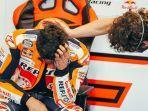 pebalap-repsol-honda-marc-marquez-menangis-setelah-finish-di-motogp-portugal.jpg