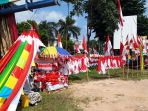 pedagang-bendera-dan-pernak-pernik-hut-ri-di-sagulung_20180728_111708.jpg
