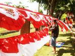 pedagang-bendera-merah-putih.jpg