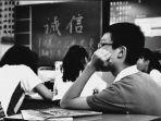 pelajar-di-kota-wuhan-china-kembali-bersekolah.jpg