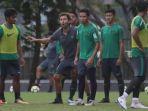 pelatih-timnas-indonesia-luis-milla_20180427_081746.jpg