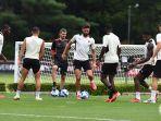 pemain-ac-milan-menjalani-latihan-siap-bersaing-untuk-scudetto-musim-2021-2022.jpg