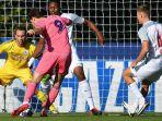 pemain-real-madrid-latasa-mencetak-gol-ke-gawang-rb-salzburg-di-semifinal.jpg