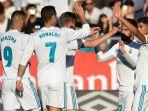 pemain-real-madrid-merayakan-gol-yang-diciptakan-isco_20171030_072545.jpg