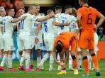 pemain-republik-ceko-melakukan-selebrasi-setelah-mengalahkan-belanda-2-0.jpg