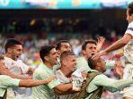 pemain-spanyol-lakukan-selebrasi-setelah-mikel-oiarzabal-kanan-cetak-gol-kelima-spanyol.jpg