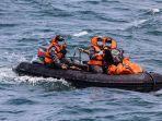 pencarian-korban-dan-puing-pesawat-sriwijaya-air-nomor-penerbangan-sj-182.jpg