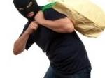 pencurian.jpg