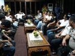 pertemuan-wali-kota-batam-dengan-perwakilan-sopir-angkot_20180308_103028.jpg