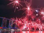 pesta-kembang-api-tahun-baru-2018-di-singapura_20180101_000006.jpg