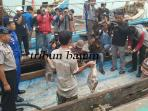 polda-kepri-menunjukan-kapal-nelayan-asing-illegal-fishing_20160625_101749.jpg