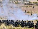 polisi-bolivia-terlibat-bentrok-dengan-pekerja-tambang_20160826_150302.jpg