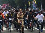 presiden-joko-widodo-menggowes-sepeda-di-kota-bandung.jpg