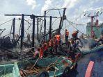 proses-evakuasi-kapal-penangkap-ikan-terbakar.jpg