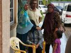 raja-azmah-duduk-di-kursi-istri-dari-edy-juanda_20150522_170935.jpg
