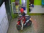 rekaman-cctv-ungkap-kasus-pencurian-sepeda-motor-dan-ponsel-di-tanjungpinang.jpg