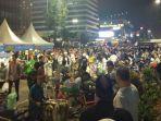 ribuan-demonstran-mulai-membubarkan-diri-dengan-melantunkan-sholawatan-di-depan-bawaslu.jpg