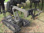 robot-penjinak-bom-yang-disiagakan-selama-operasi-ramadniya_20170619_162550.jpg
