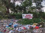 sampah-berserak-di-sekitar-bahu-jalan-raya-sekitar-taman-yasmin-kebun.jpg