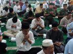 sejumlah-komponen-masyarakat-di-tanjungpinang-menggelar-doa-bersama-di-masjid-al-furqon.jpg