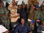 sejumlah-tentara-yang-menuntut-kenaikan-gaji_20170109_002537.jpg