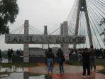 sejumlah-wisatawan-terlihat-di-kawasan-jembatan-barelang_20171120_082512.jpg