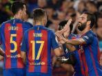 selebrasi-pemain-barcelona_20160818_070329.jpg