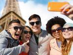 selfie-rame-rame-salah-satu-ciri-khas-gaya-traveling-generasi-milenial_20161231_163001.jpg