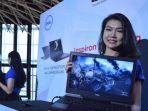 seorang-model-menunjukkan-laptop-terbaru-dell-inspiron-15-gaming_20170408_151506.jpg