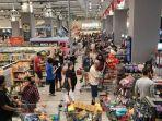 singapura-naikkan-status-darurat-virus-corona-warga-panik-serbu-supermarket.jpg
