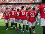 skuad-manchester-united-memasuki-lapangan-pertandingan.jpg