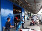 suasana-bagian-kargo-bandara-hang-nadim_20171117_124125.jpg