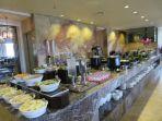 suasana-cinnamon-cafe-di-grands-i-hotel_20180410_133833.jpg