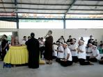 suasana-doa-bersama-jelang-proses-kremasi-jenazah-johana-angguat_20160829_195003.jpg