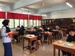 suasana-hari-pertama-kembali-ke-sekolah-di-malaysia-rabu-24-juni-2020.jpg