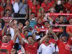 suporter-indonesia-yang-hadir-di-stadion-thuwunna-yangon_20161217_154453.jpg