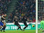tendangan-pemain-ac-milan-zlatan-ibrahimovic-ke-gawang-sampdoria.jpg