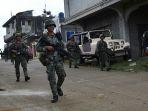 tentara-filipina-melakukan-patroli-di-kota-marawi-mindanao_20170530_102126.jpg