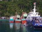 tiga-kapal-ilegal-fishing-yang-diamankan-kapal-patroli-kkp_20160502_203430.jpg